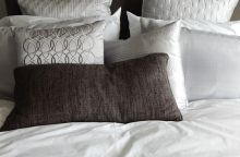pillows-890559_640